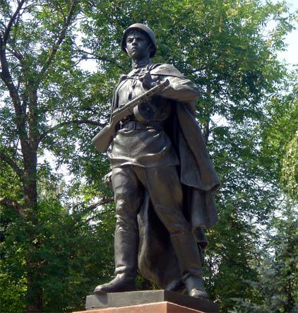 Памятник Александру Матросову в Уфе